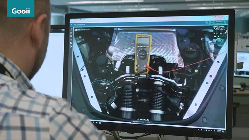 Porsche Adopts Augmented Reality In Workshops image